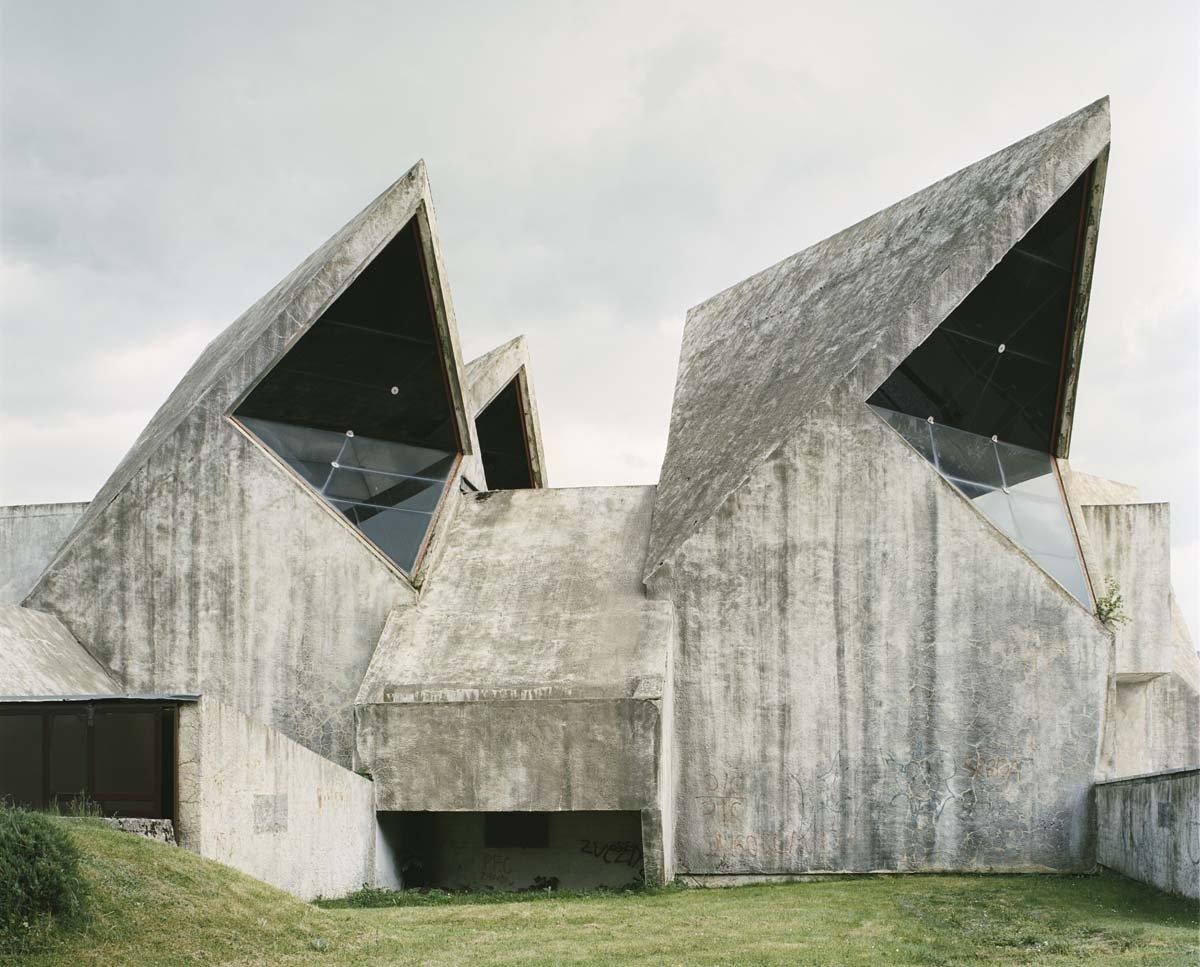 Estes monumentos iugoslavos parecem rel�quias de uma civiliza��o alien�gena 10