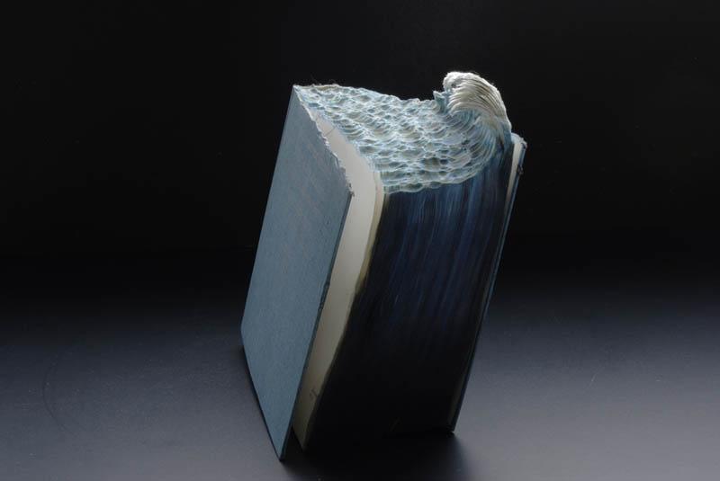 Paisagens incr�veis esculpidas em livros - Parte 2 04