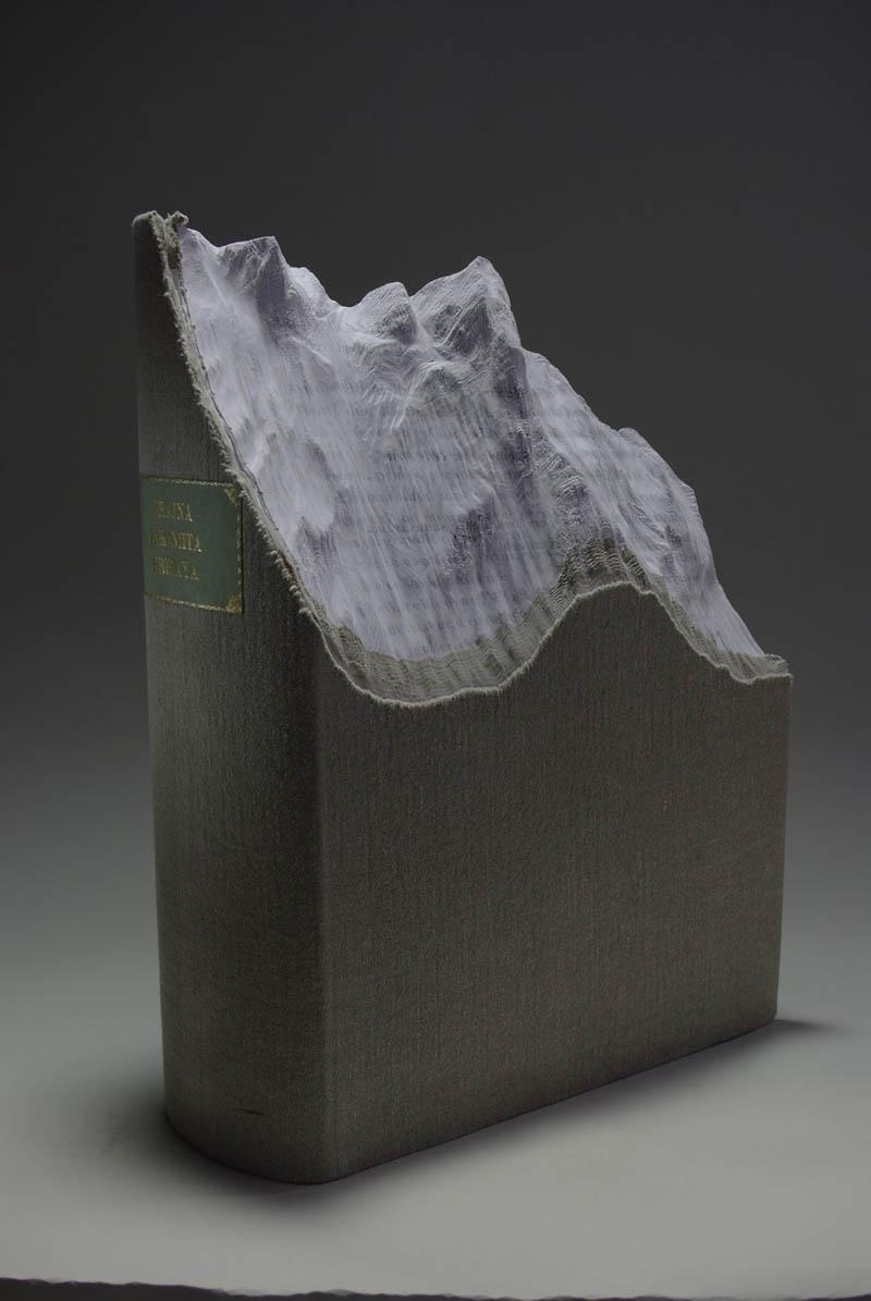 Paisagens incríveis esculpidas em livros - Parte 2 13