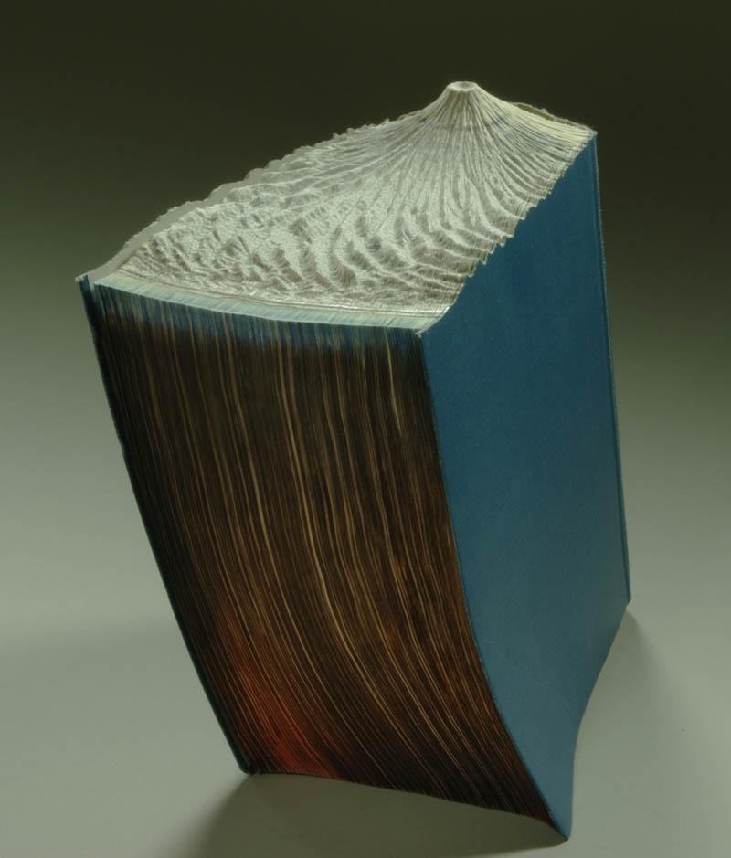 Paisagens incríveis esculpidas em livros - Parte 2 14
