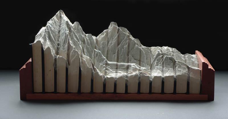 Paisagens incríveis esculpidas em livros 02
