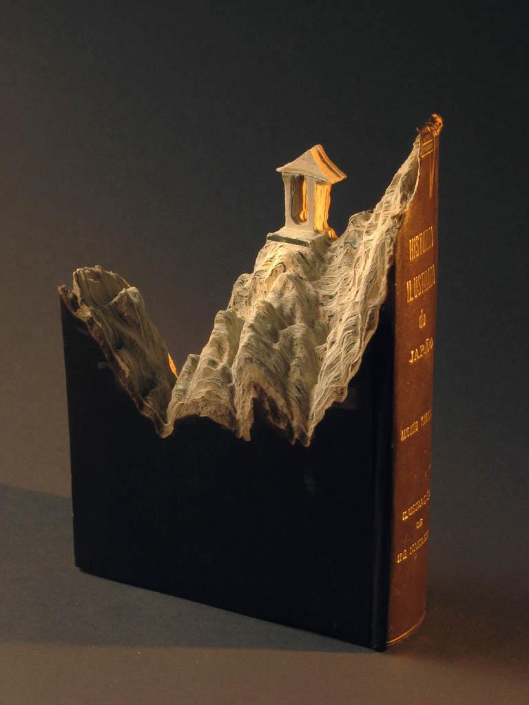 Paisagens incríveis esculpidas em livros 03