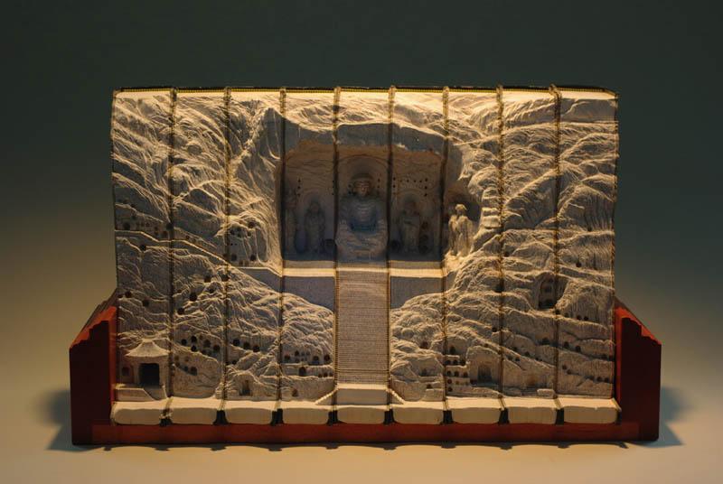Paisagens incríveis esculpidas em livros 05