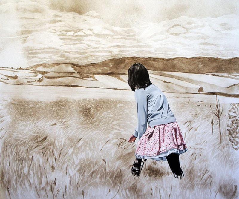 Artista inovadora cria belas pinturas com poeira 07