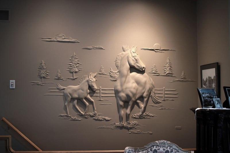 Artista transforma gesso comum em espetaculares murais em alto relevo 01
