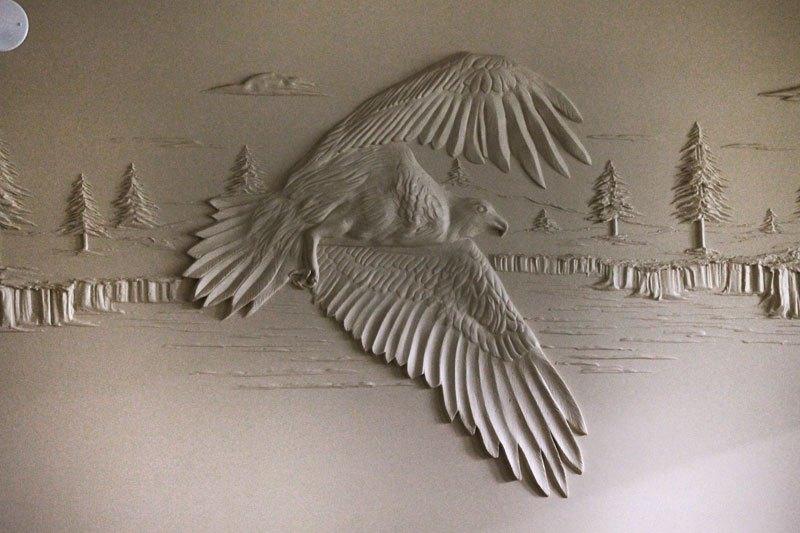 Artista transforma gesso comum em espetaculares murais em alto relevo 02