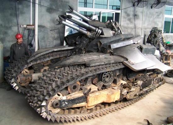 Fã constroi Megatron em forma de tanque 04