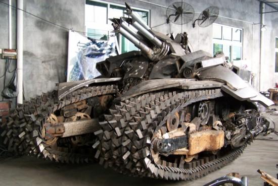 Fã constroi Megatron em forma de tanque 06