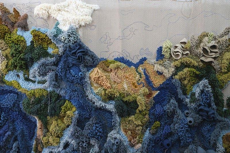 Tapete de 6 metros, feito à mão com lã reciclada, exibindo o mapa-múndi, é fantástico  06