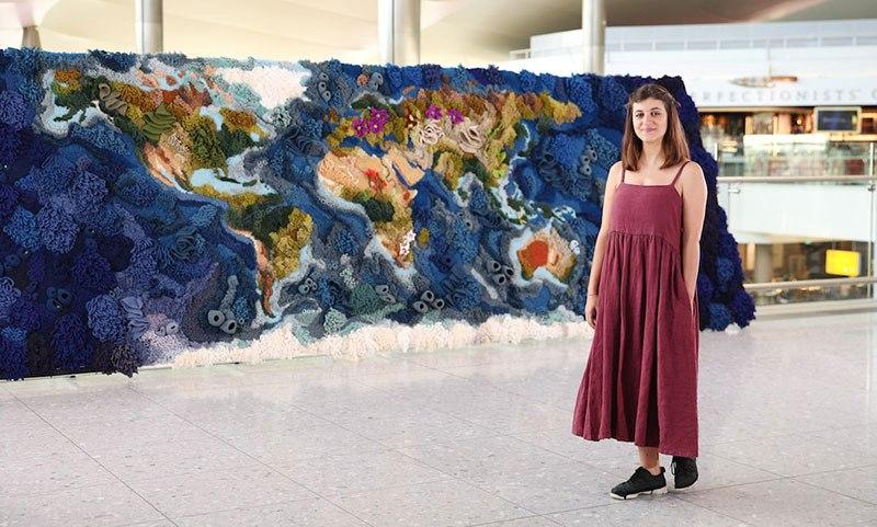 Tapete de 6 metros, feito à mão com lã reciclada, exibindo o mapa-múndi, é fantástico  08