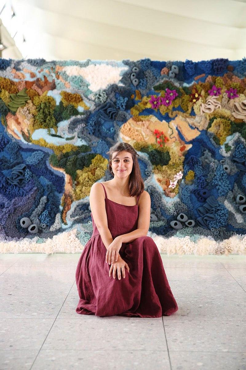 Tapete de 6 metros, feito à mão com lã reciclada, exibindo o mapa-múndi, é fantástico  10