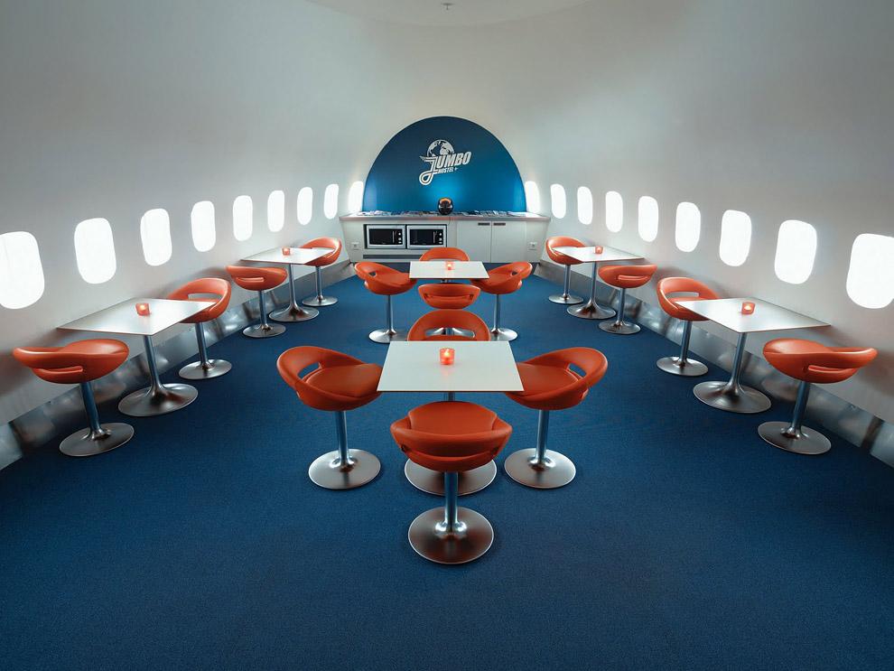 Hotel de luxo dentro de um avião 03