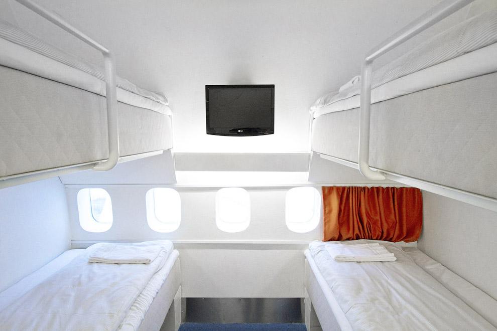 Hotel de luxo dentro de um avião 04