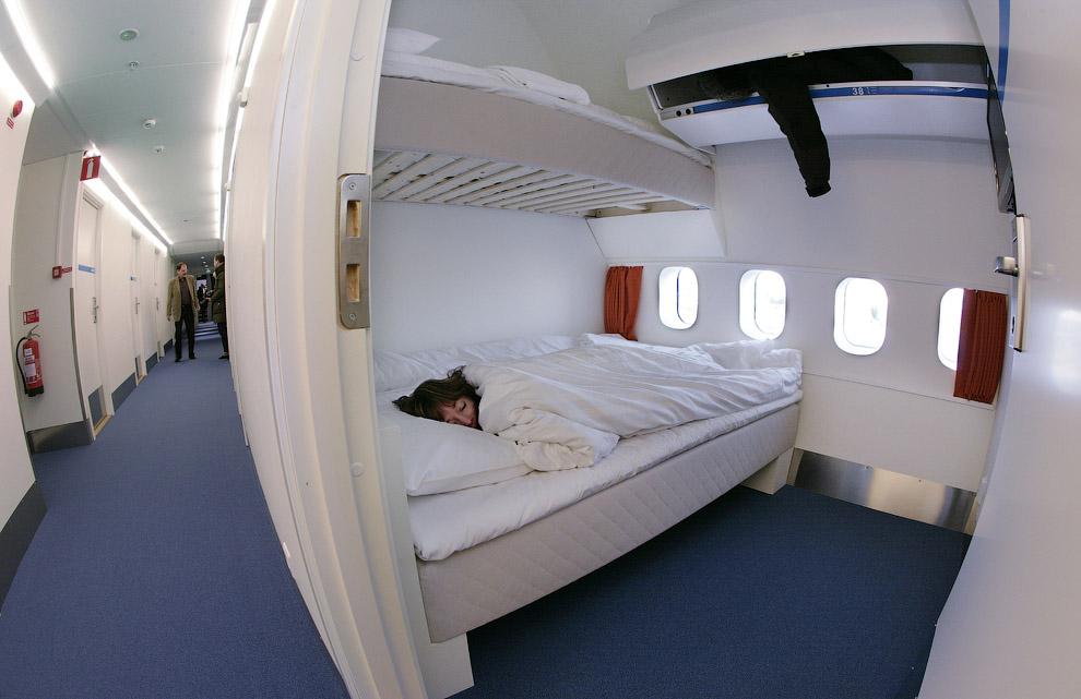 Hotel de luxo dentro de um avião 05