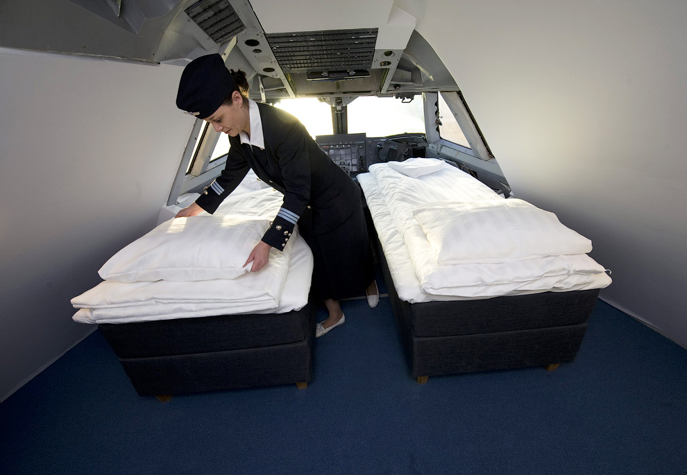 Hotel de luxo dentro de um avião 06