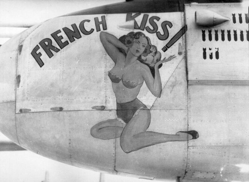 Nose-art em aviões da Segunda Guerra 10
