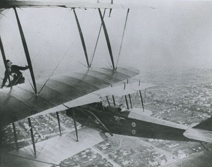 Acrobacias aéreas dos Barnstormers em 1920 04