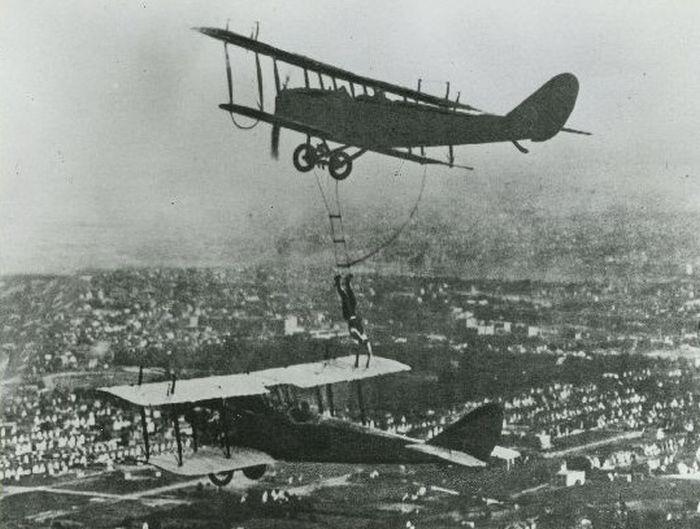 Acrobacias aéreas dos Barnstormers em 1920 07