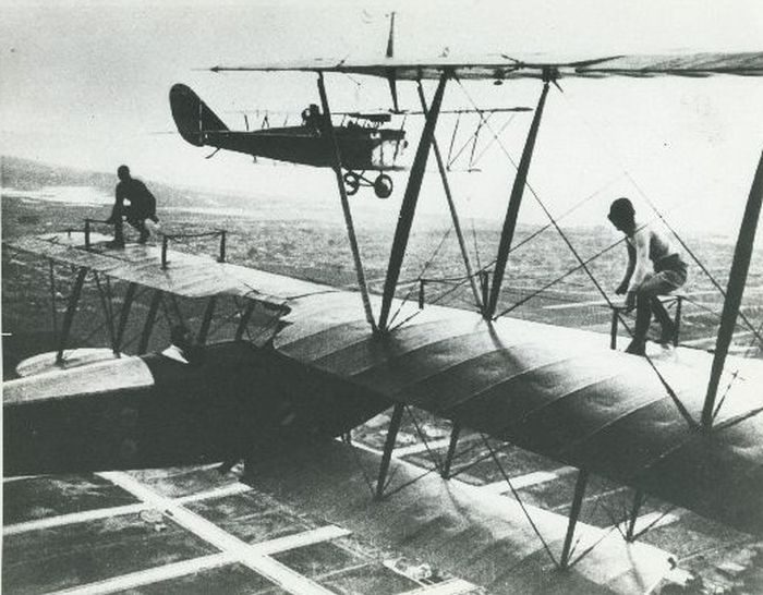 Acrobacias aéreas dos Barnstormers em 1920 09