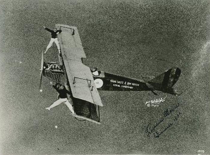 Acrobacias aéreas dos Barnstormers em 1920 11