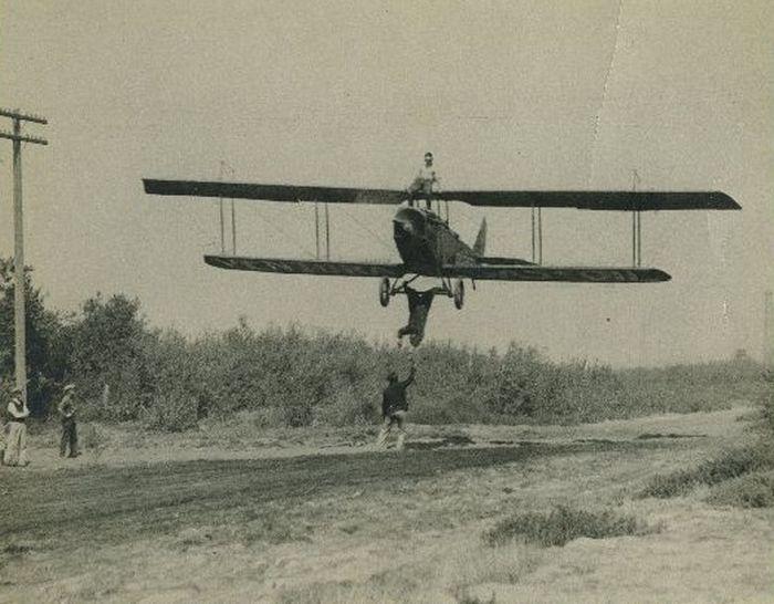 Acrobacias aéreas dos Barnstormers em 1920 12