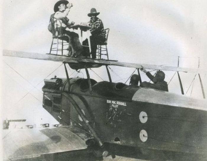 Acrobacias aéreas dos Barnstormers em 1920 13