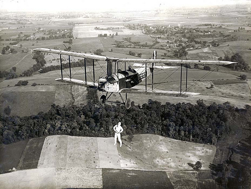 Acrobacias aéreas dos Barnstormers em 1920 22