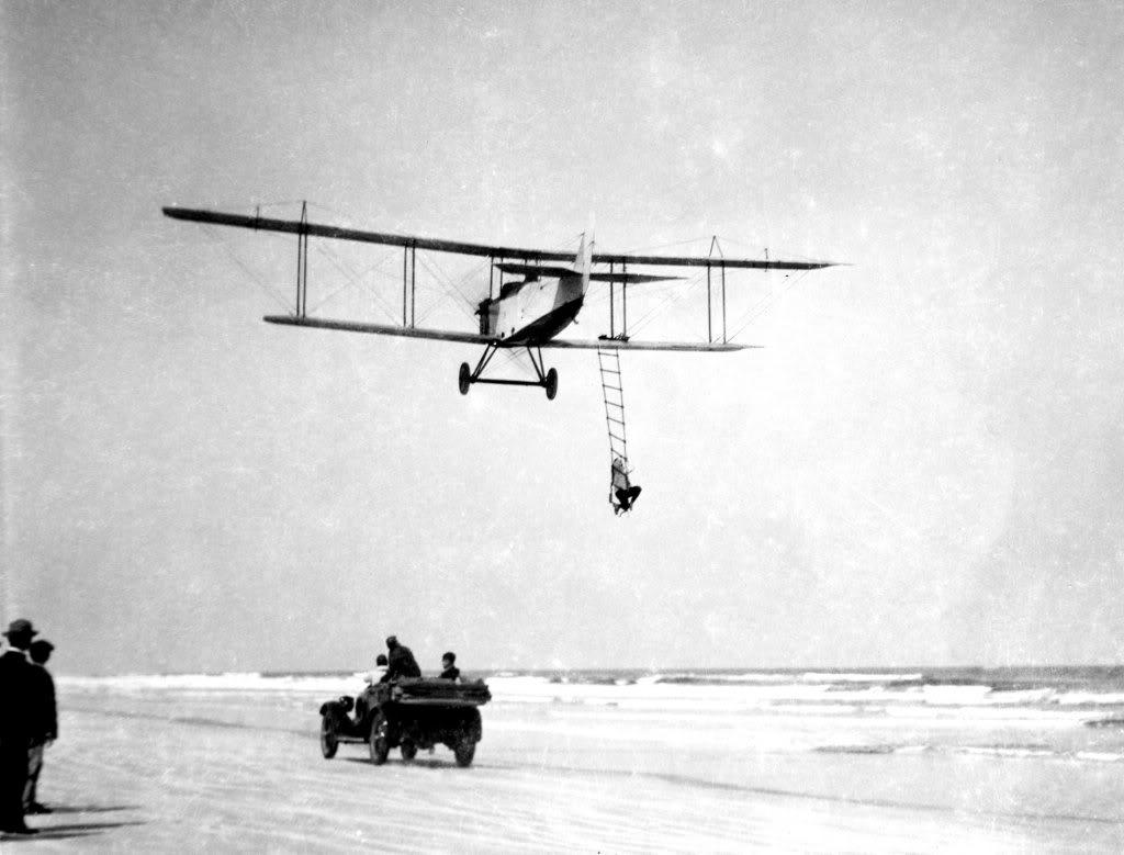 Acrobacias aéreas dos Barnstormers em 1920 23