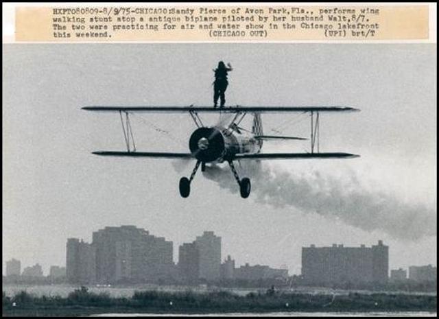 Acrobacias aéreas dos Barnstormers em 1920 29