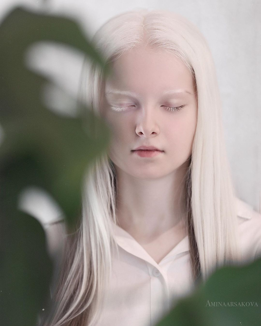 Garota chechena atordoa a Internet com sua beleza sobrenatural 06