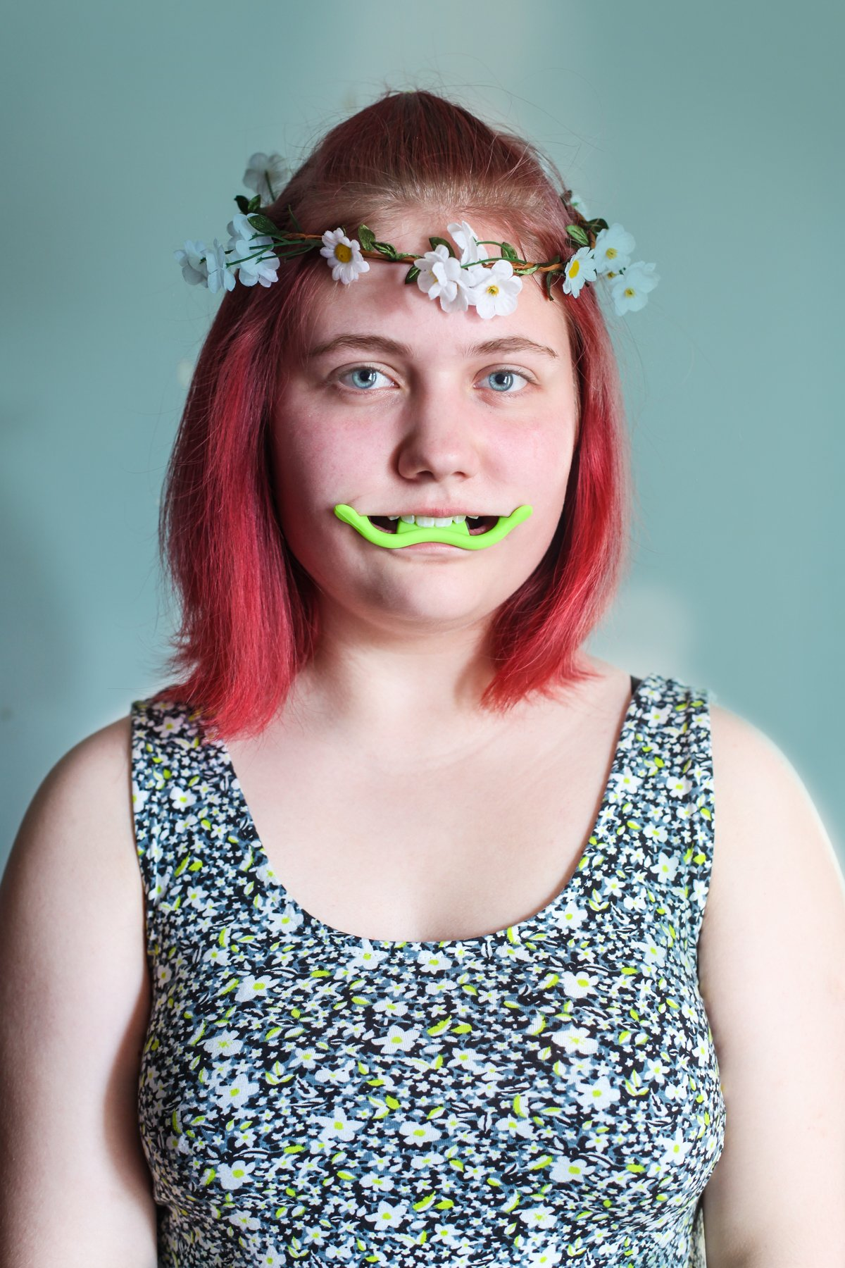 """14 fotos perturbadoras mostram as coisas bizarras que uma mulher usa para ficar """"linda"""" 11"""