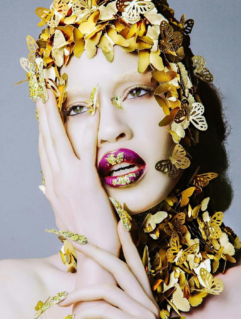 Modelo com albinismo desafia as percepções de beleza na indústria da moda 14