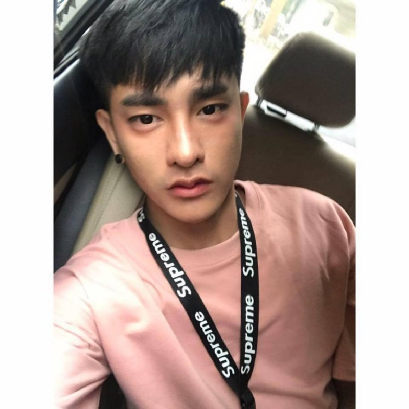 Jovem tailandês faz 30 cirurgias estéticas para virar coreano