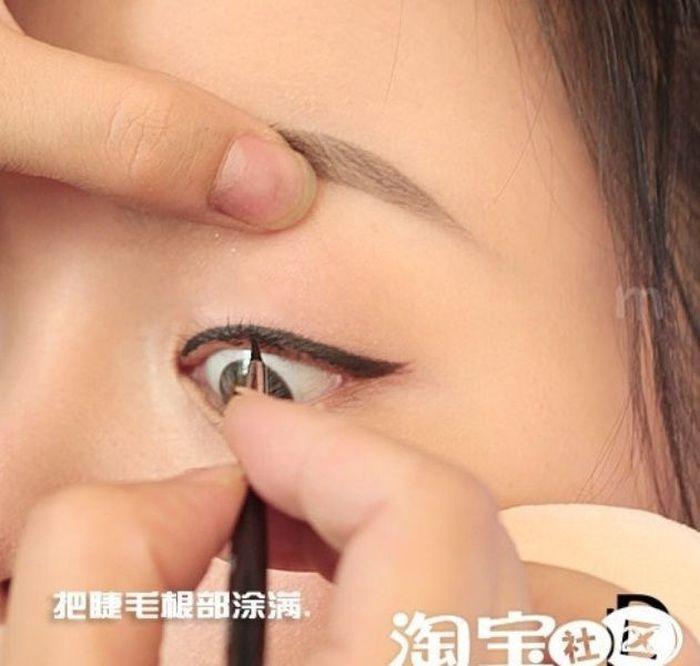 Gatinhas asiáticas antes e depois da maquiagem 2 07