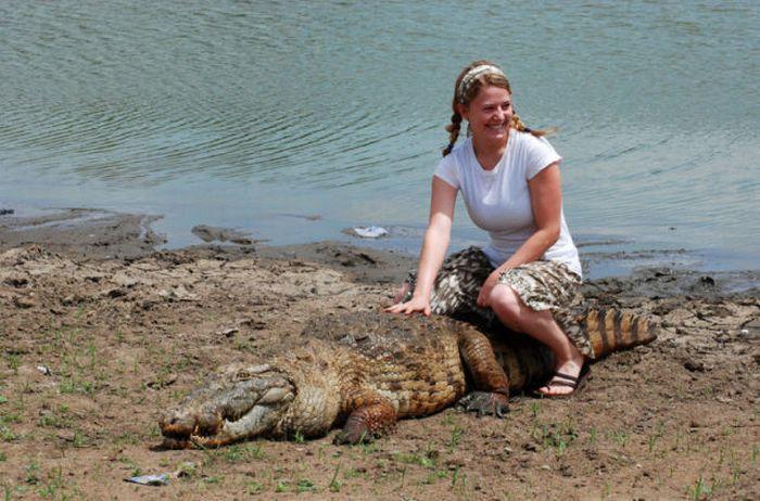 Vila Paga, um lugar onde crocodilos e homens vivem em perfeita harmonia 01