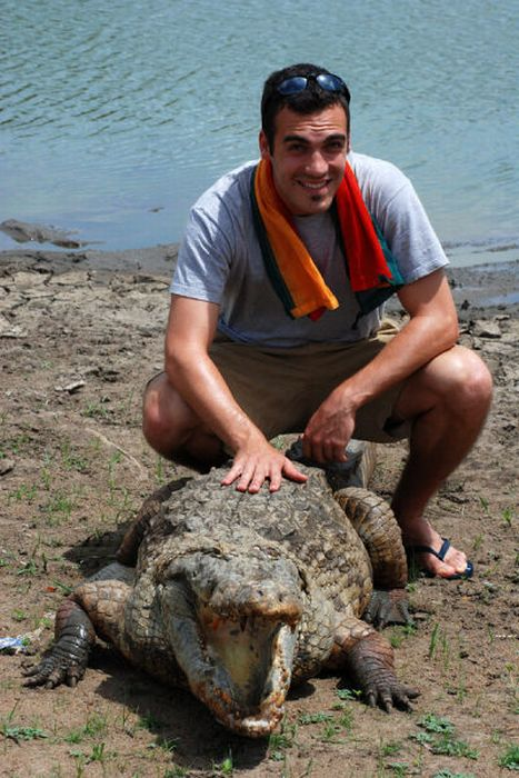 Vila Paga, um lugar onde crocodilos e homens vivem em perfeita harmonia 06
