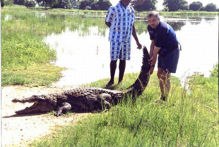 Vila Paga, um lugar onde crocodilos e homens vivem em perfeita harmonia 10