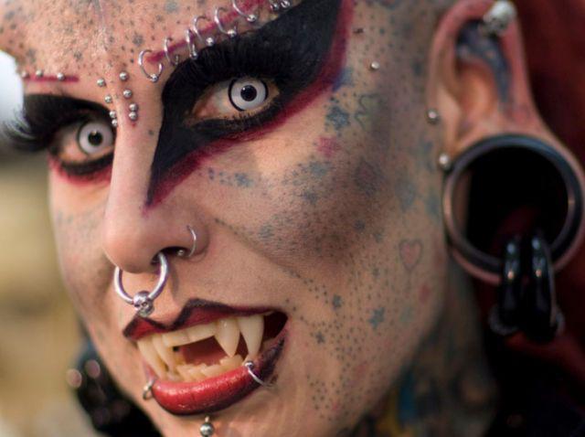 A vampira tatuada 03