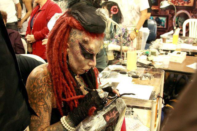 A vampira tatuada 06