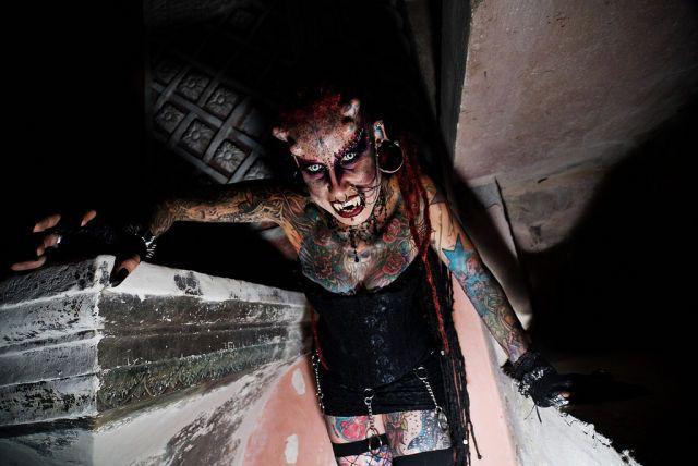 A vampira tatuada 12