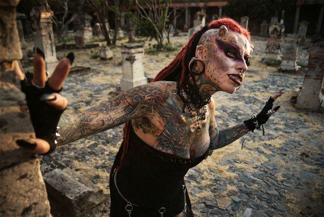 A vampira tatuada 13
