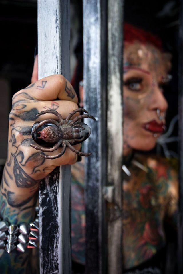 A vampira tatuada 15