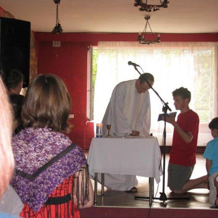 Bizarra cerimônia de iniciação em escola polonesa 04