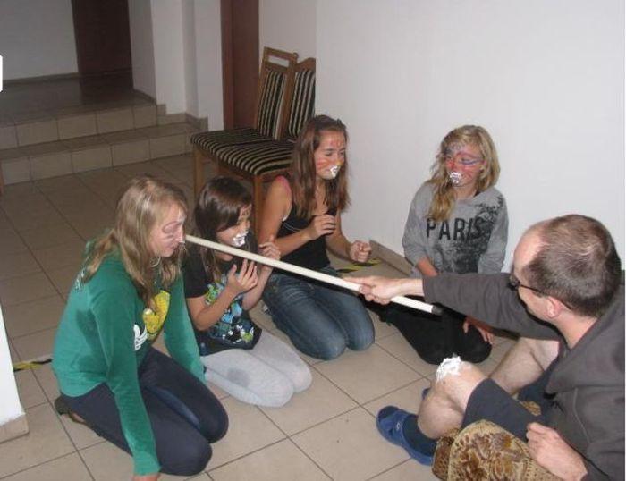 Bizarra cerimônia de iniciação em escola polonesa 14