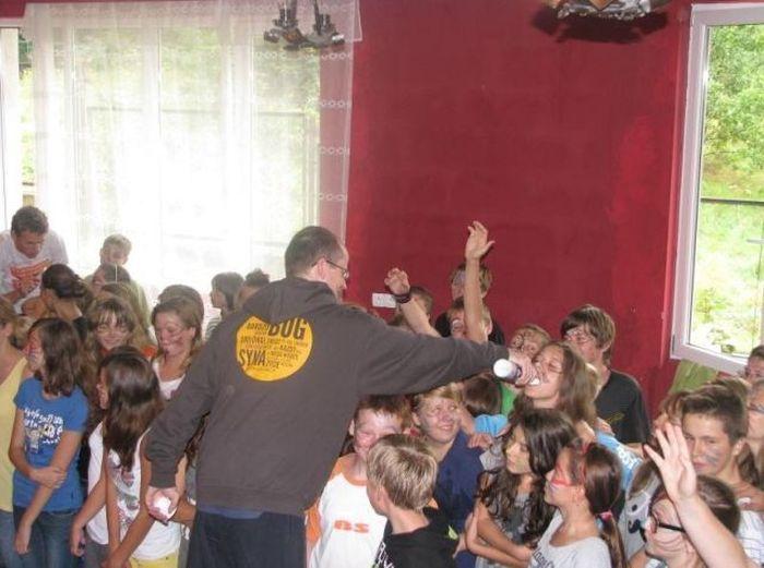 Bizarra cerimônia de iniciação em escola polonesa 30