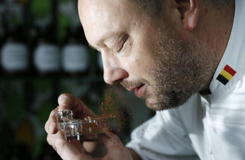 Controverso dispositivo para cheirar chocolate proporciona o maior barato