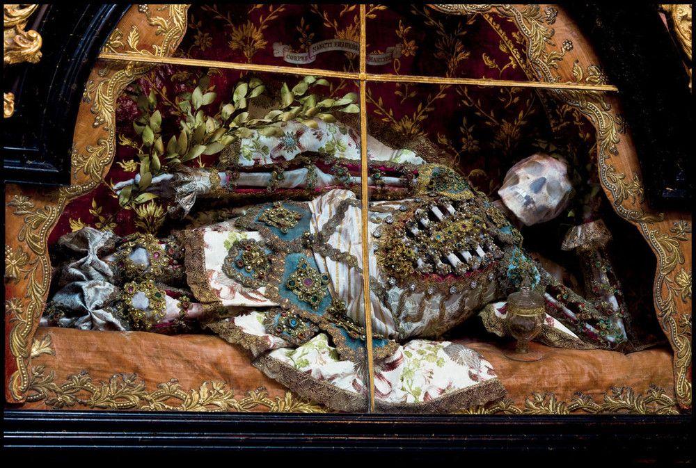 O império da morte e das jóias 04