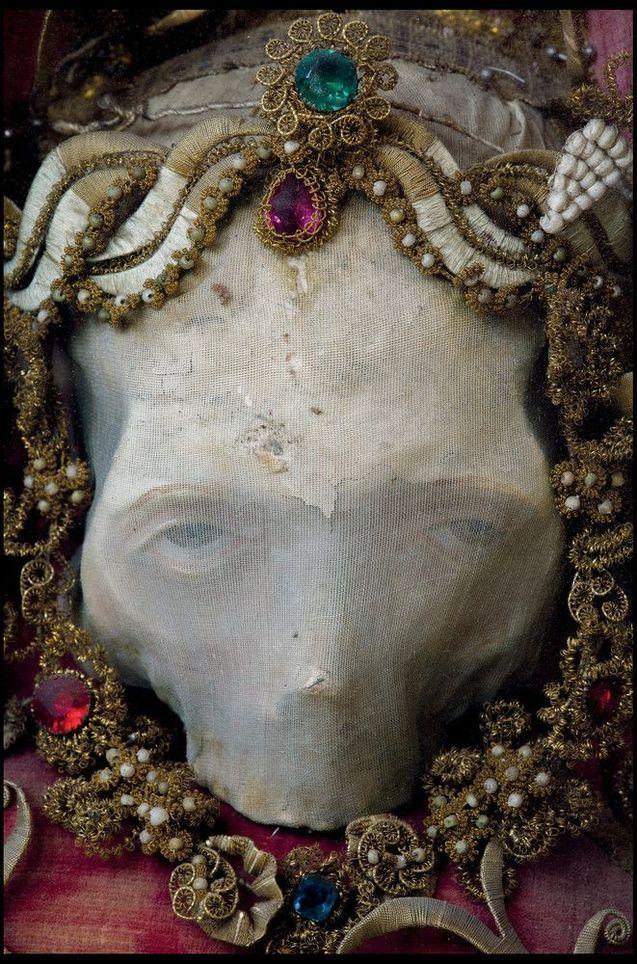 O império da morte e das jóias 06