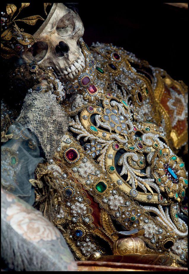 O império da morte e das jóias 10