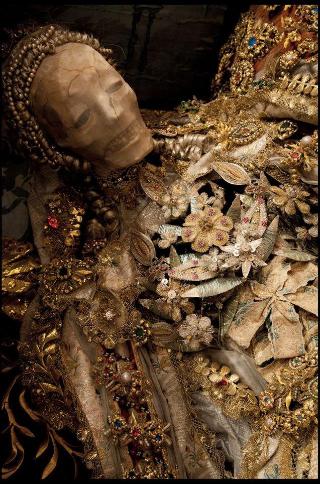 O império da morte e das jóias 11